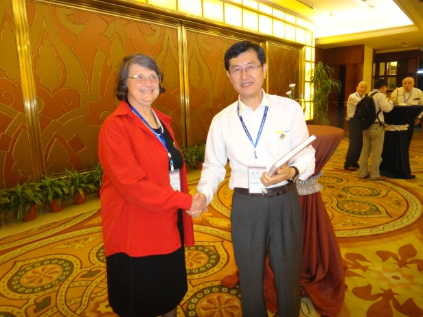 GSA International Section Reception with Suzanne Kay and Shuwen Dong.
