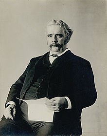 220px-WilliamJohnMcGee_1900_Smithsonian02861200