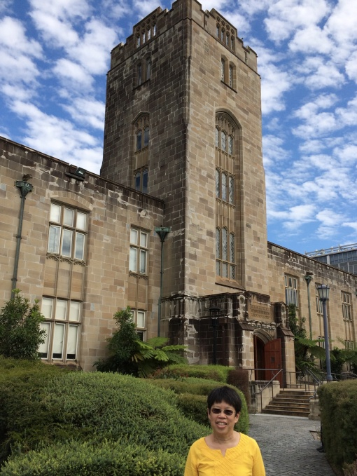 I'm standing in front of the geology building at University of Sydney- a lovely sandstone building.
