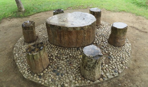 Several seating areas had lovely large polished petrified round tables with smaller polished tree trunk bases.