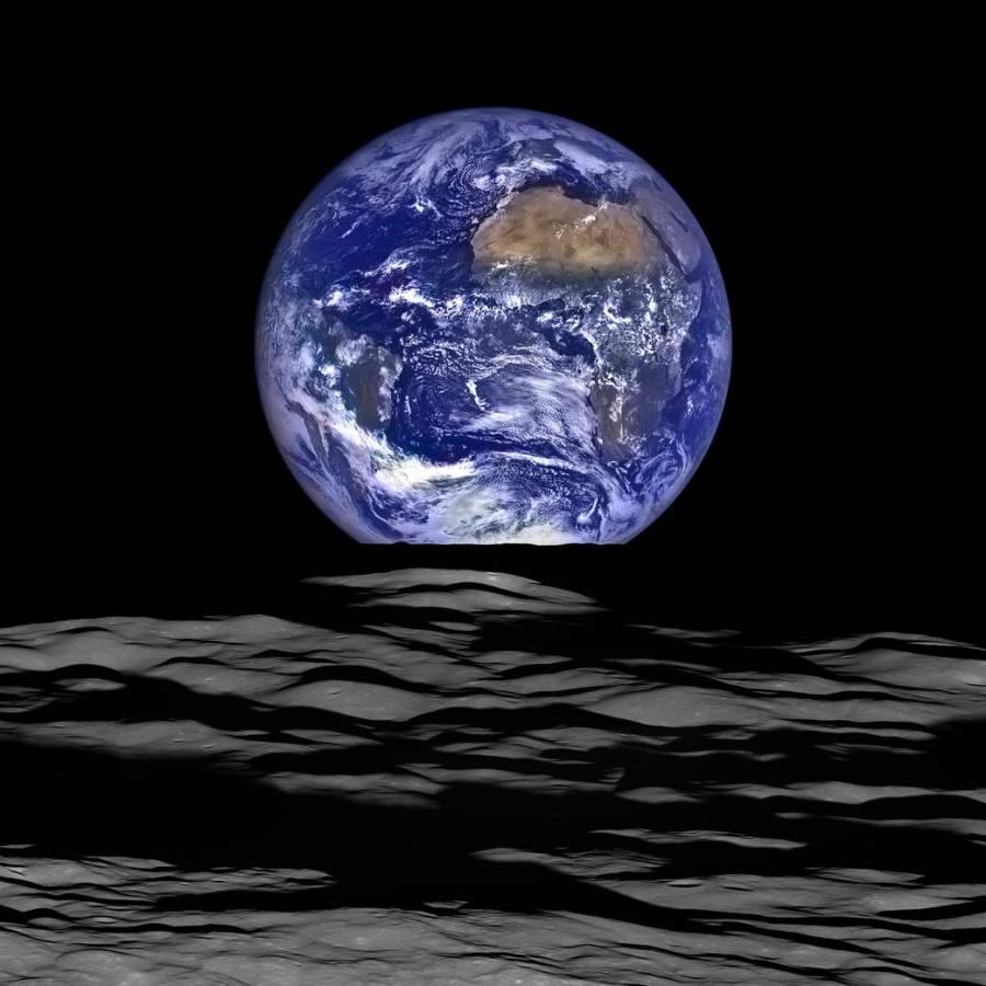 Earthrise. Credit: NASA.
