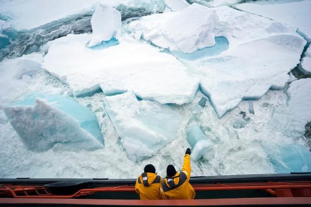 Ice-Break-Up_Christopher_Michel