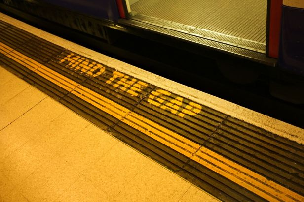 "London Tube signage ""Mind the Gap"""