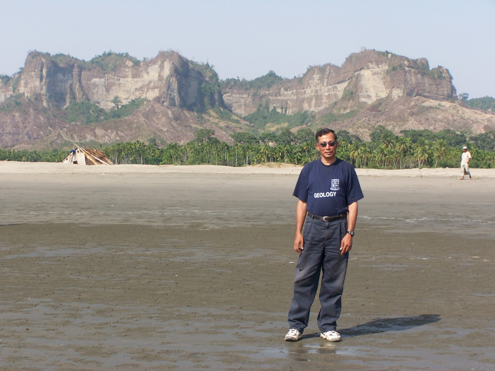 Image 2. Syed Humayun Akhter is leading a field-mapping course. Acquisition of field experience is a major focus in both undergraduate and graduate programs. A part of Dakhin Nilla anticline is exposed along the Chittagong coastal belt showing long escarpment, which prominently exposes the lower Boka Bil Formation (Upper Miocene) in the axial region.